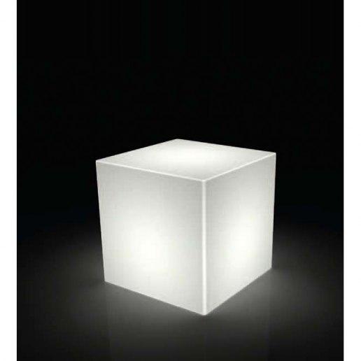 Icekub 45 vaso per esterno design kloris vasi d 39 arredo for Arredo esterno design