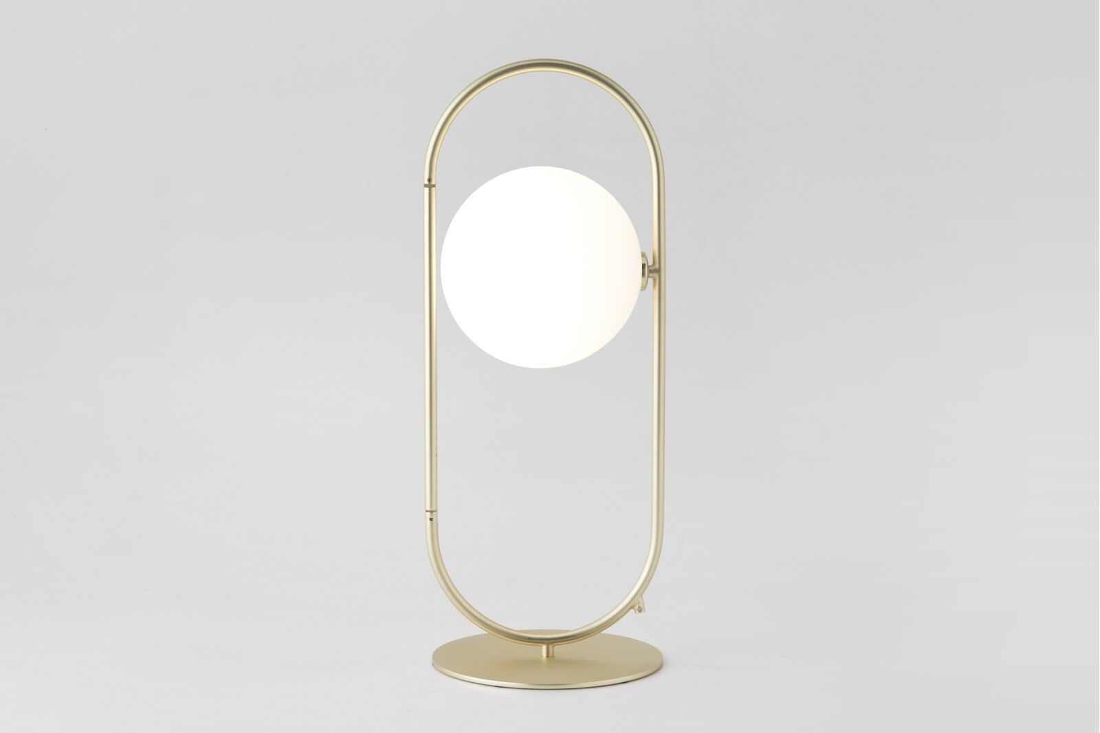 Cranmer Opal Globe Table Lamp / 1