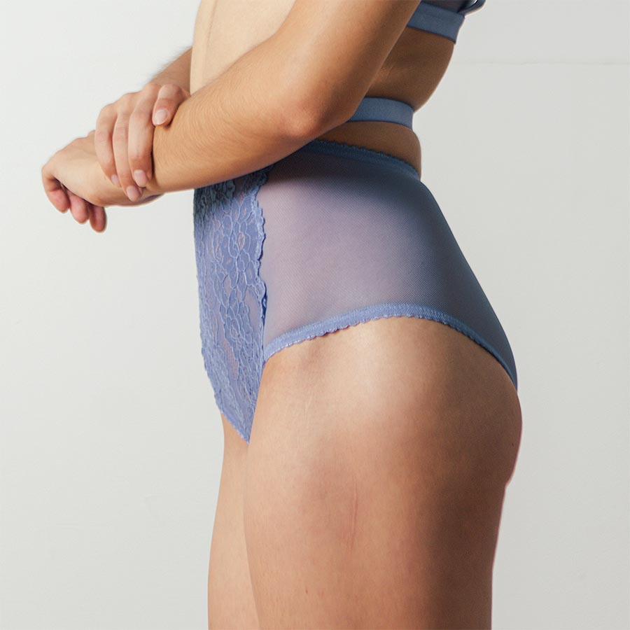 Lulu Highwaisted Brief